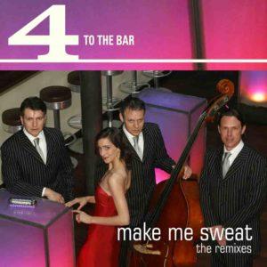Trio mit Kontrabass und Sängerin im roten Kleid an der Bar