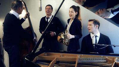 Jazzquartett am Flügel bei einer Gesangsaufnahme
